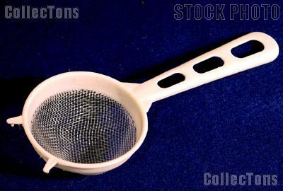 Small Plastic Handheld Strainer for Coin Cleaning